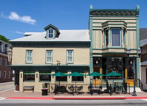 Dan's Restaurant & Taphouse